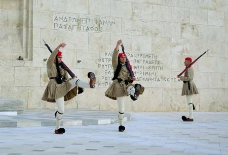 ATHÈNES, GRÈCE - OCTOBRE 8 Le changement de la garde présidentielle le 8 Octobre 2010 à Aathens, Grèce Banque d'images - 16322984