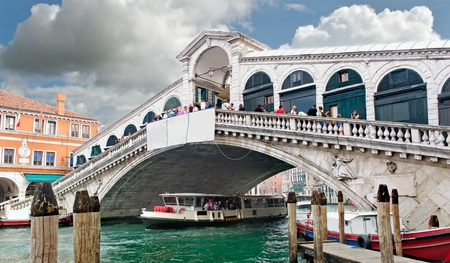 Grand canal in Venice, Rialto bridge