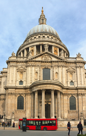 saint pauls cathedral: St Pauls Cathedral in London, UK.