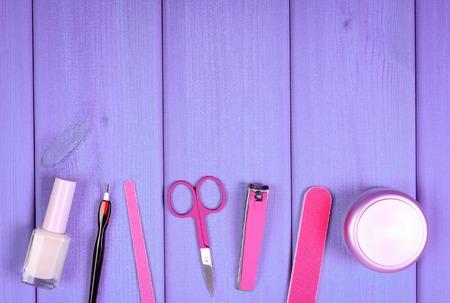 Cosmetica en accessoires voor manicure of pedicure, kopieer ruimte voor tekst of inscriptie, concept van de nagel, hand- en voetverzorging Stockfoto