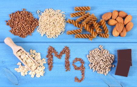 Iscrizione Mg, ingredienti e prodotti contenenti magnesio e fibra alimentare, sana alimentazione, pasta integrale, semi di girasole, grano saraceno, farina d'avena, riso integrale, semi di lino, nocciola, cioccolato