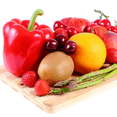 inmunidad: Fresh ripe fruits and vegetables, concept of healthy food, nutrition and strengthening immunity. White background Foto de archivo