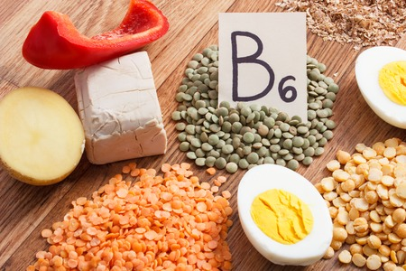 Ingredients or products containing vitamin B6 and dietary fiber, natural sources of minerals, concept of healthy lifestyle and nutrition Banque d'images