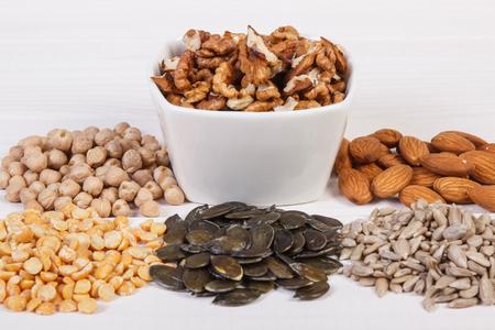 成分や亜鉛、食物繊維、ミネラル、健康的なライフ スタイルと栄養の自然な源を含む製品 写真素材
