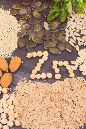 Inscription Zn with healthy nutritious eating containing zinc, vitamins and dietary fiber Stok Fotoğraf - 130068749