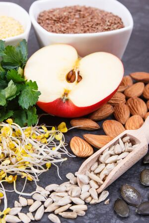 Nutritious natural products and ingredients containing vitamins for healthy thyroid 版權商用圖片