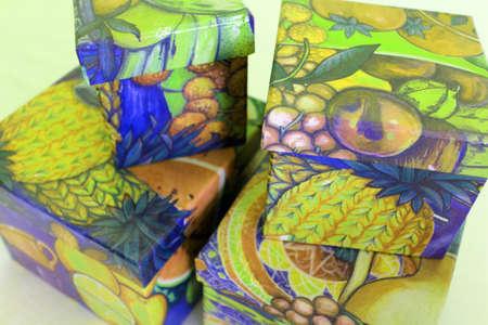 boxs: many color boxs