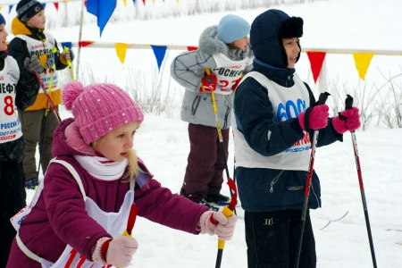 20.02.2011 Moscow. Children participate in sports ski competitions.
