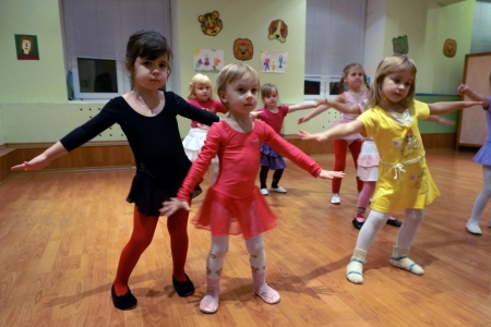 trained: 07.12.2012 Moscow. Occupations in the creativity house, little girls are trained on dancing occupations. Editorial