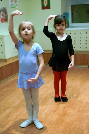house trained: 07.12.2012 Moscow. Occupations in the creativity house, little girls are trained on dancing occupations. Editorial