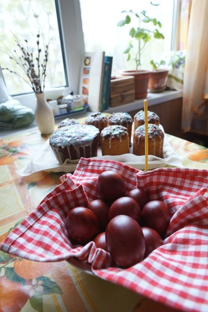 Easter eggs and Easter cakes on a table Stock Photo - 19534870