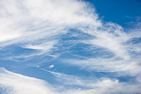 occur: Streaky clouds that occur naturally as creators.