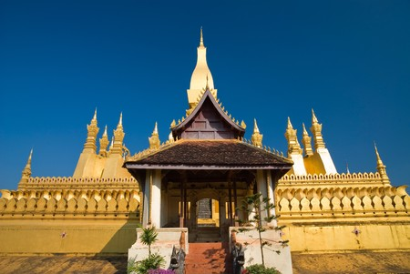 lao: Wat Phra That Luang de Vientiane, aide juridique Ontario.