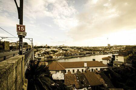 dom: Une vue du pont Dom Luis
