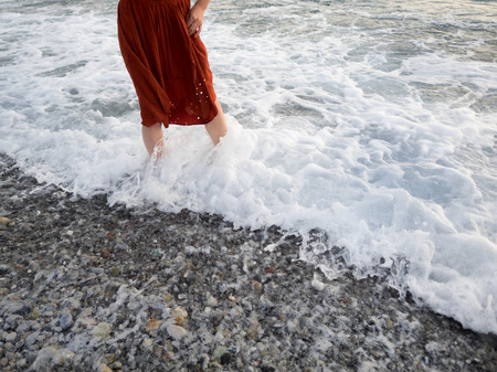 beautiful feet: The red skirt in the sea