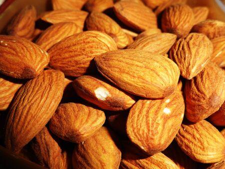 pista: Delicious Healthy Almonds Nut