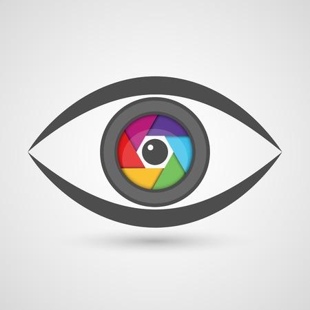 カラフルな絞りのシャッターのレンズとして目のアイコン。ベクトル図