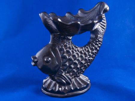 animal figurines: metall fish