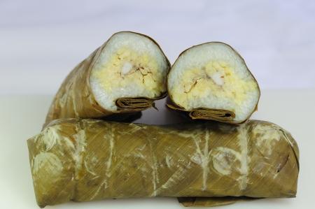 Sticky rice in banana leaf Stock Photo - 18084856