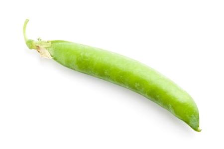 ejotes: guisantes verdes frescos aislados en un fondo blanco. Studio foto Foto de archivo