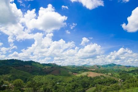 kopec s modrou oblohou Reklamní fotografie