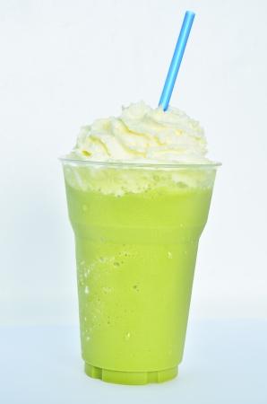 Cold green tea smoothie Stock Photo - 16687157