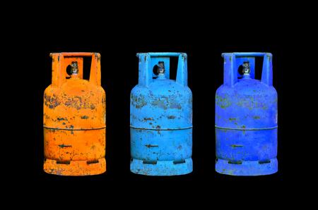 cilindro de gas: cilindro de gas en el fondo negro