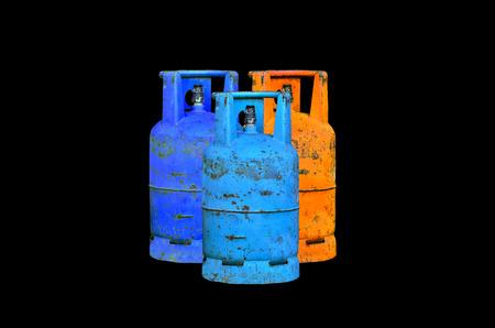 cilindro de gas: Muchos cilindro de gas en el fondo negro