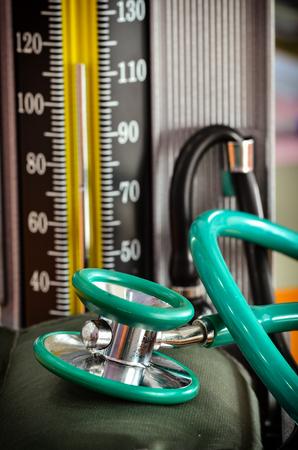 stethoscope with pressure gauge