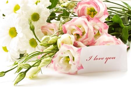 een boeket van mooie bloemen op een witte achtergrond Stockfoto