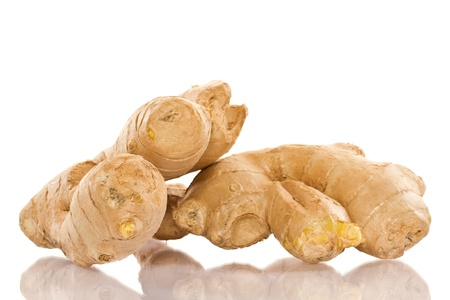 large ripe ginger root on white background Standard-Bild