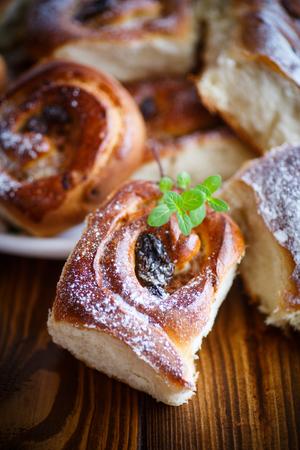 membrillo: sweet rolls with raisins Foto de archivo