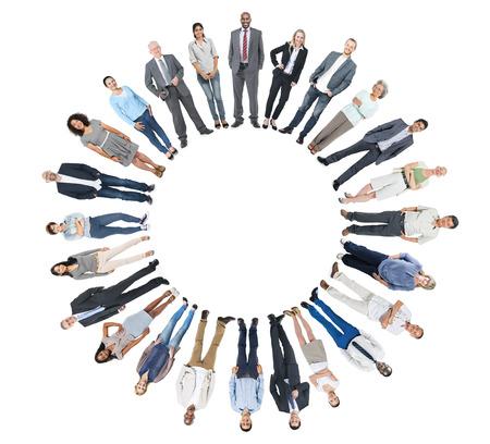 circulo de personas: Grupo diverso de personas con Copyspace Foto de archivo