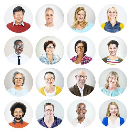 Portret van multi-etnische Diverse vrolijke mensen Stockfoto