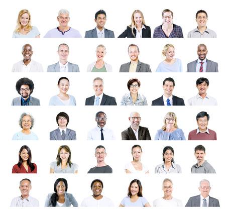 люди: Группа многонационального различных деловых людей