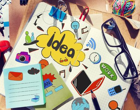 アイデアを持つデザイナー s テーブル 写真素材