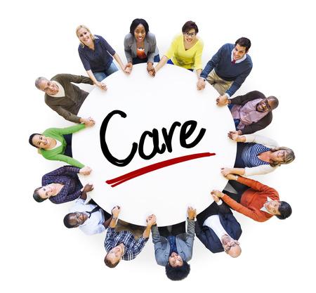 Groupe multi-ethnique des personnes et de soins Concepts Banque d'images - 29478103