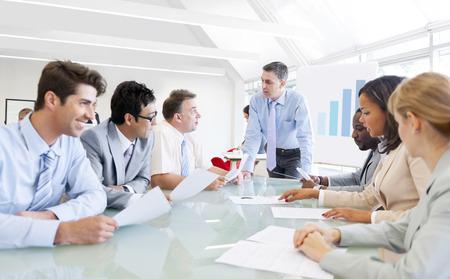 비즈니스 회의 데 회사 사람들의 그룹 스톡 콘텐츠