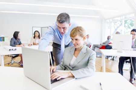 Een Boss Het begeleiden van zijn werknemer met haar Job