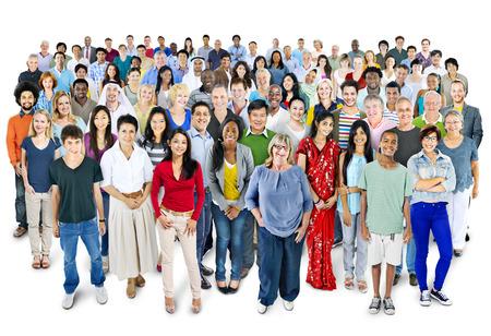 grupo de personas: Gran grupo de personas multi�tnicos Foto de archivo