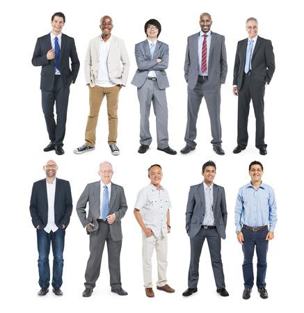 hombres maduros: Grupo de hombres de negocios alegres Diversos multiétnicos