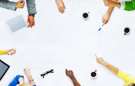 diversidad: Grupo de hombres de negocios de planificaci�n para un nuevo proyecto