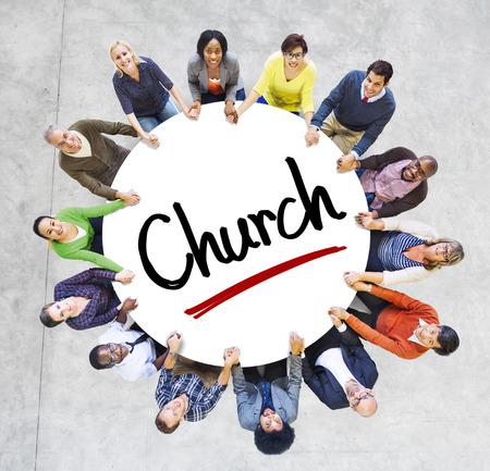 iglesia: Grupo multi�tnico de personas y conceptos de la Iglesia