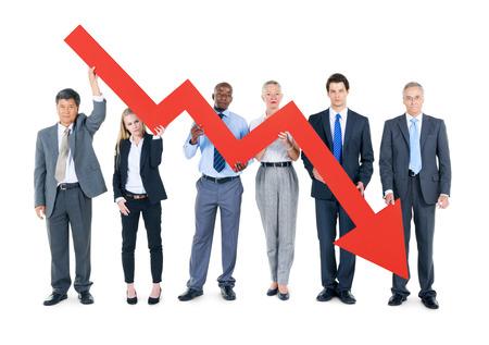 wirtschaftskrise: Gruppe Gesch�ftsleute, die auf Wirtschaftskrise
