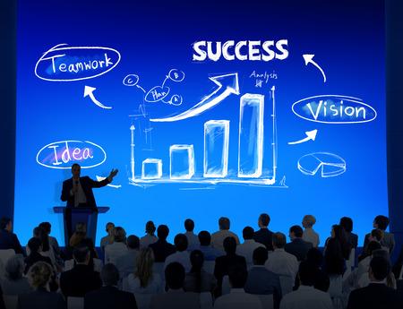 프리젠 테이션 개념을 비즈니스 사람들의 그룹