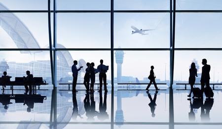 Groep mensen in de luchthaven