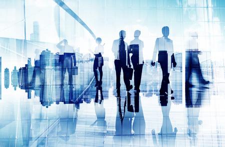 empleado de oficina: Siluetas de hombres de negocios en Movimiento borroso Caminar Foto de archivo