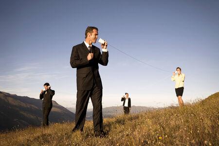 gente comunicandose: Concepto de la gente de negocios la comunicaci�n a nivel mundial.