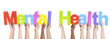 enfermedades mentales: Manos sosteniendo diversas Las Palabras de Salud Mental