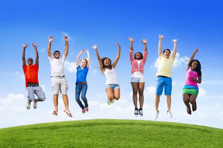 gente saltando: Salto de la Juventud